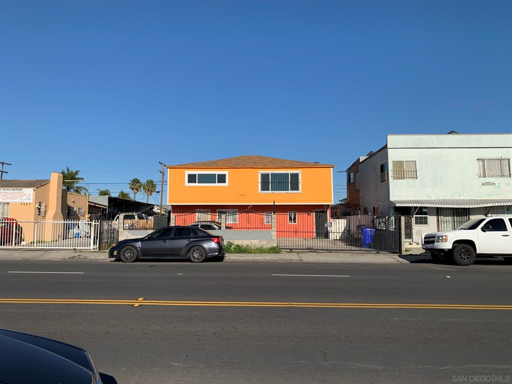 3645 47 Fairmount Ave Property Photo