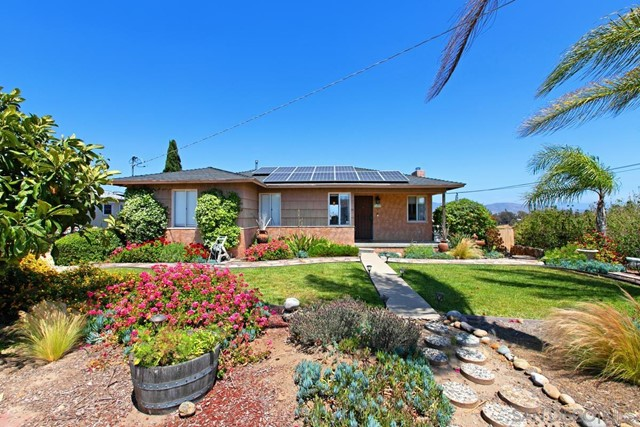 1357 Bakersfield St Property Photo