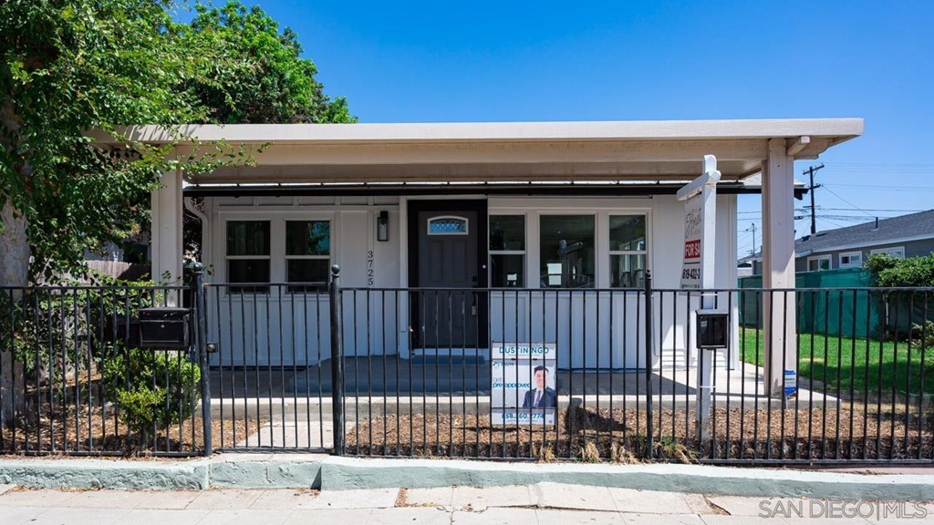 3725 Chamoune Ave Property Photo