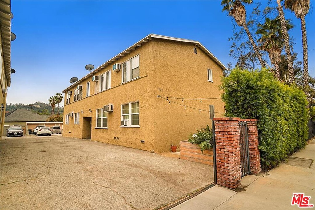 5920 Benner Street Property Photo