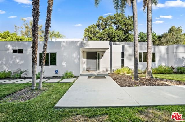 4570 S Comber Avenue Property Photo