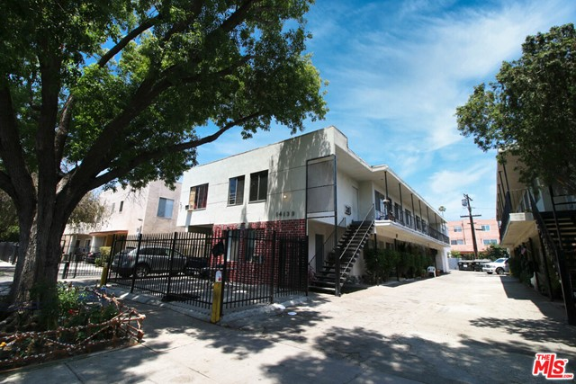 14139 Delano Street Property Photo