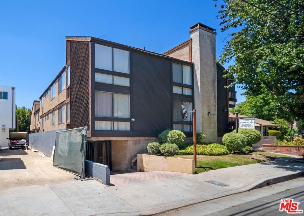 12650 Oxnard Street Property Photo