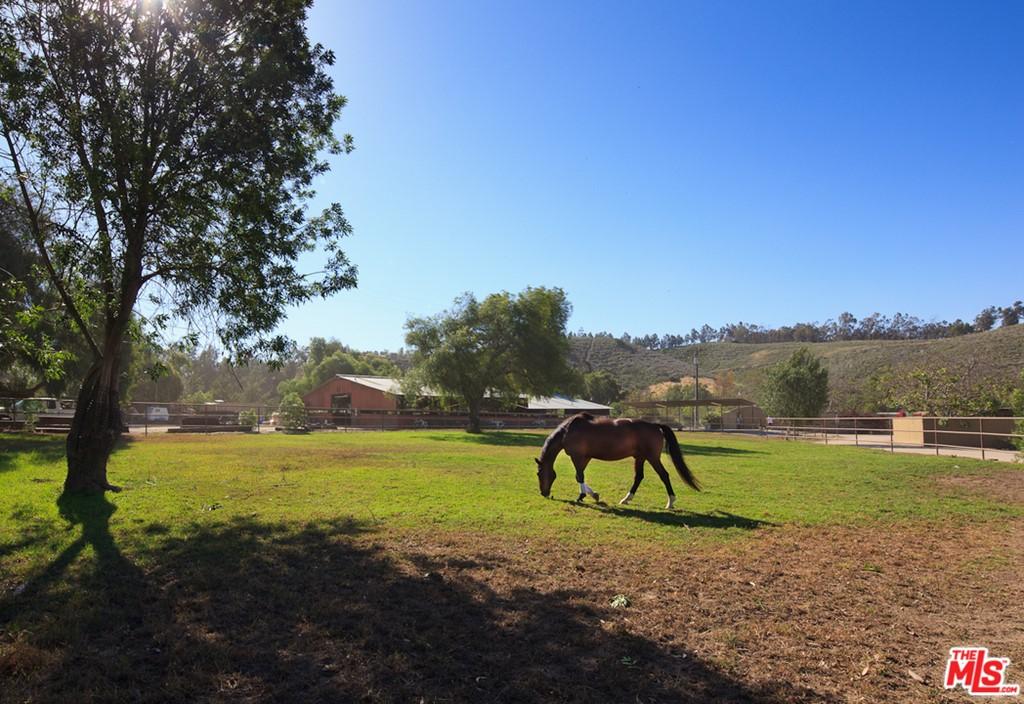 7202 Balcom Canyon Road Property Photo