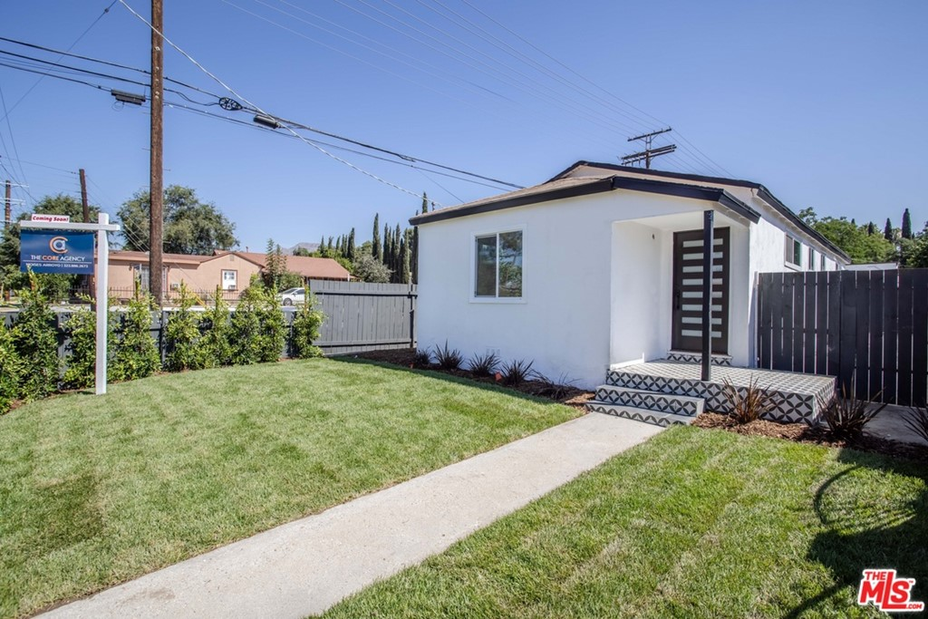12926 Borden Avenue Property Photo