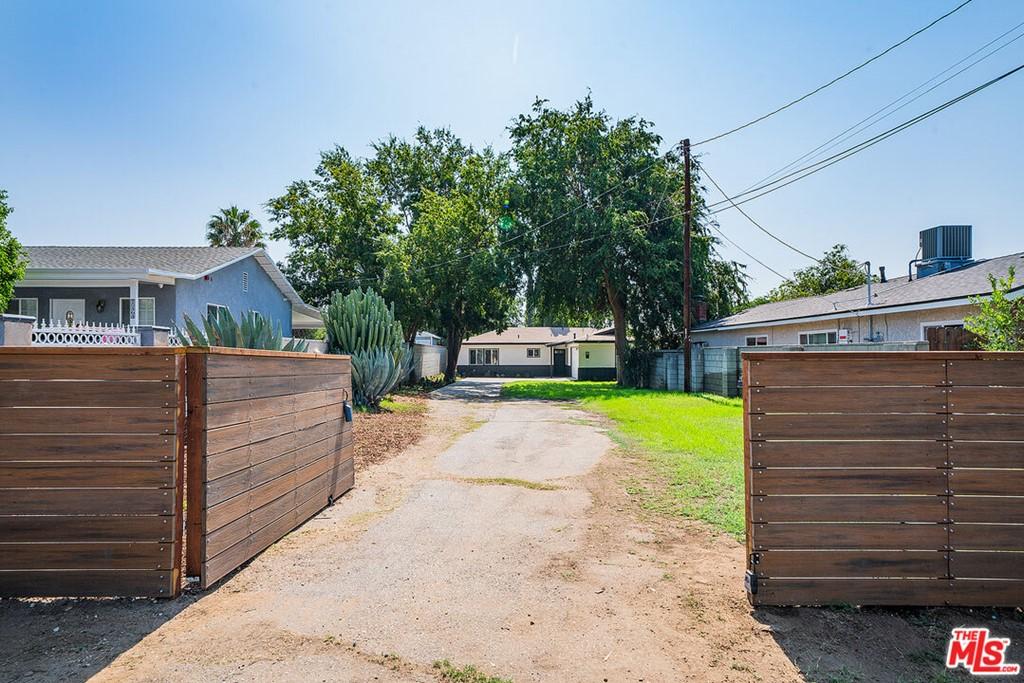 15468 El Cajon Street Property Photo 3