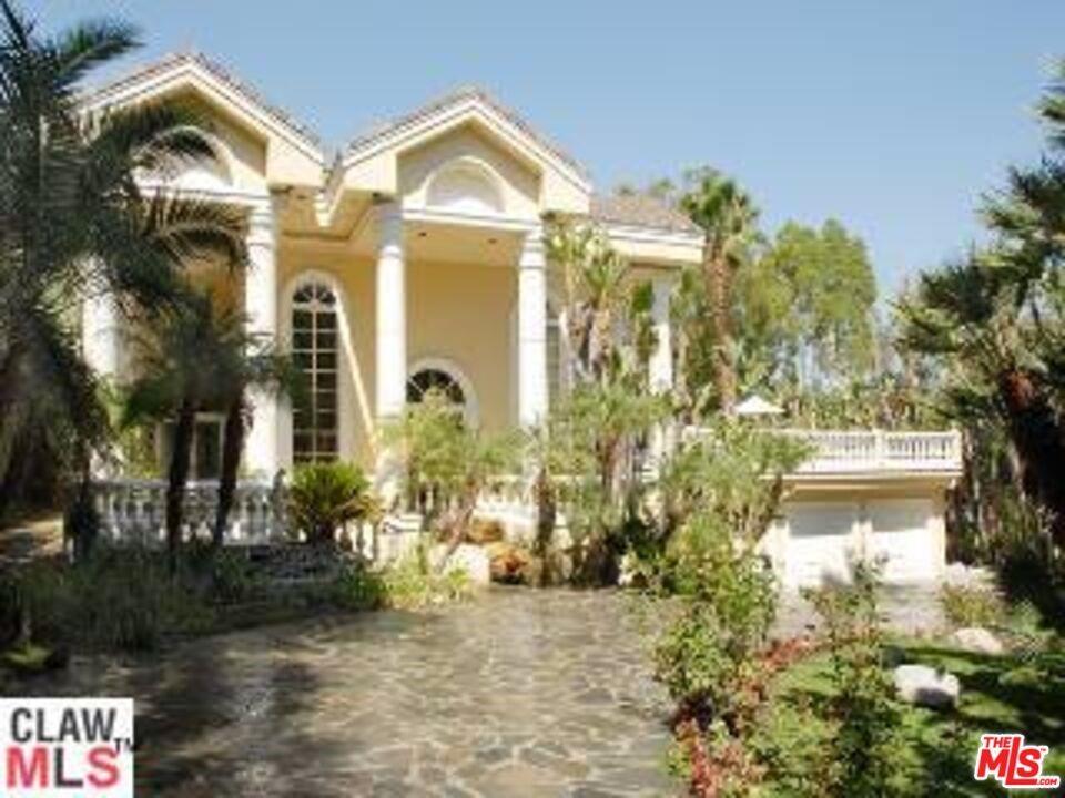 4701 White Oak Avenue Property Photo