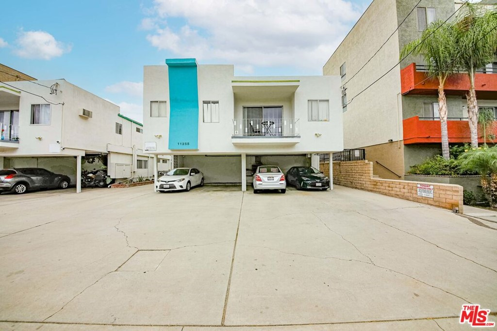 11255 Morrison Street Property Photo