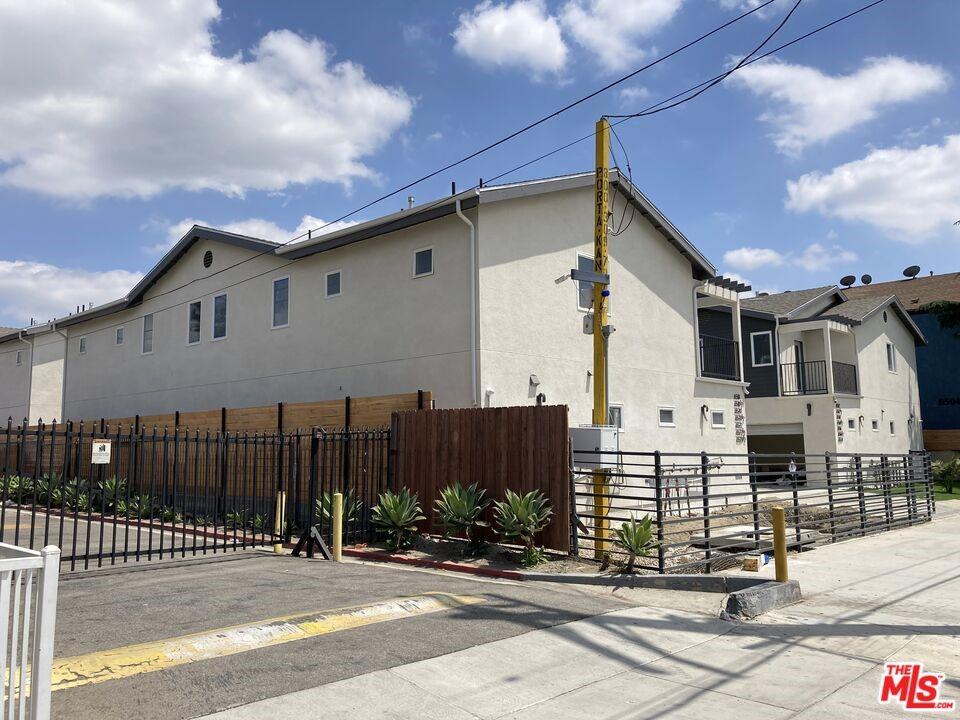 North Hollywood Real Estate Listings Main Image