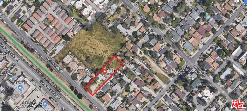 12534 San Fernando Road Property Photo