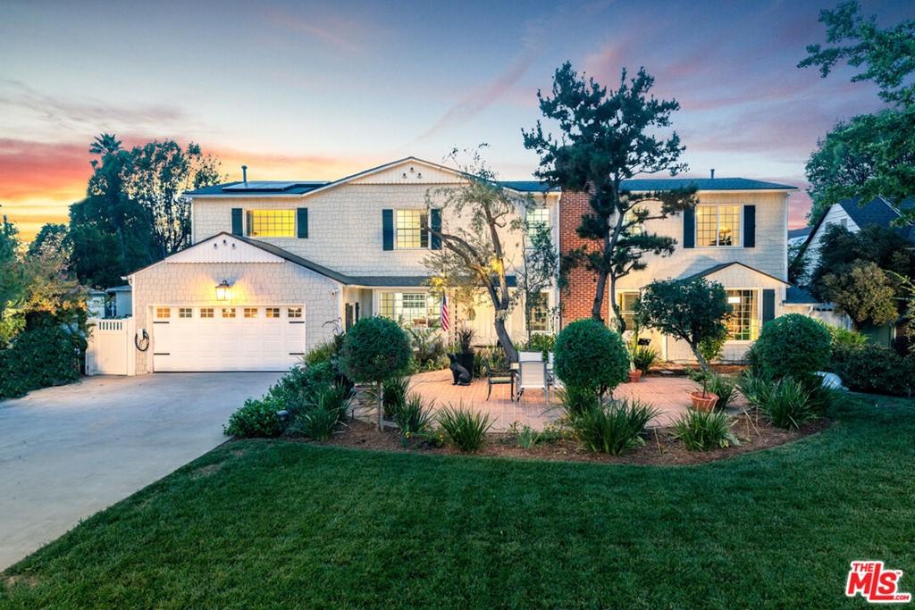 6421 Orion Avenue Property Photo