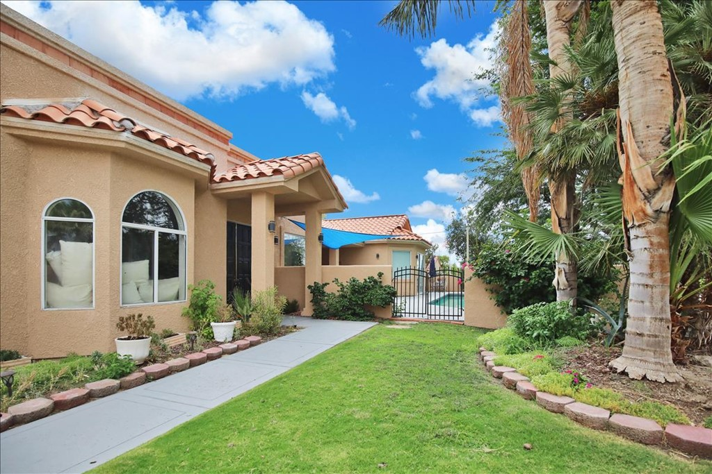 42920 Cerritos Drive Property Photo