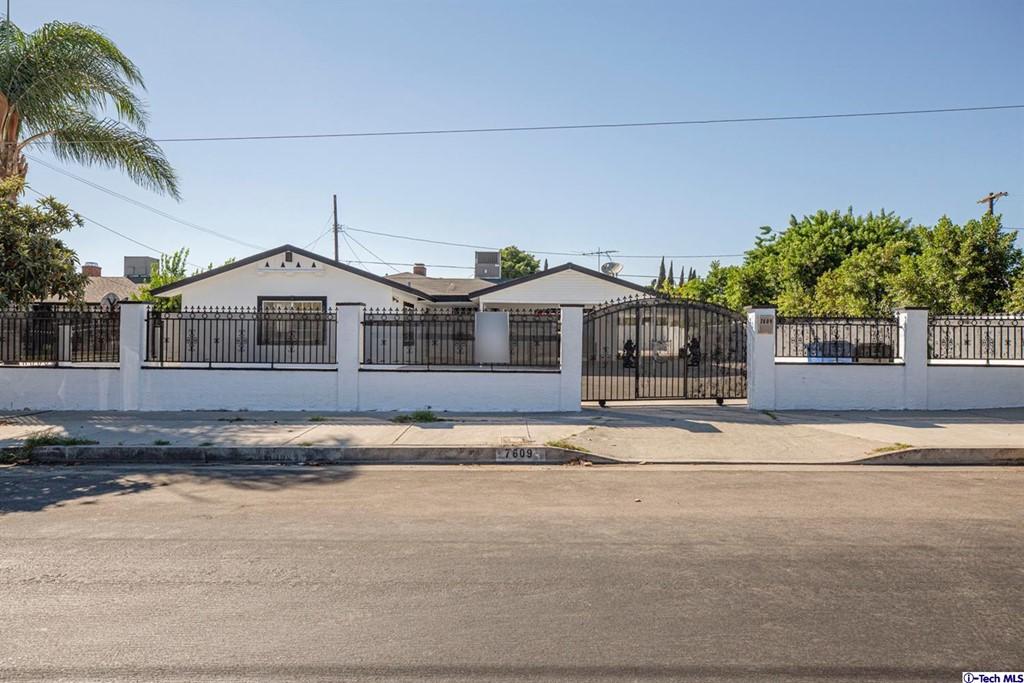 7609 Atoll Ave Avenue Property Photo