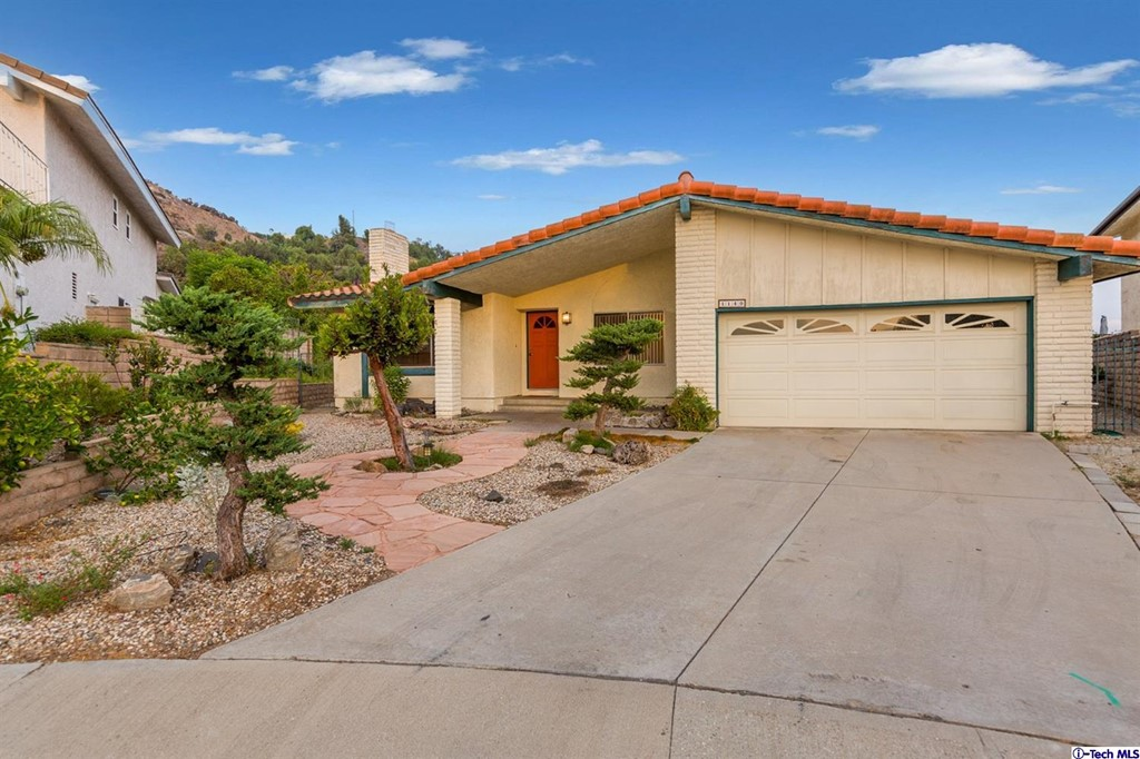 1140 Vista Ridge Property Photo