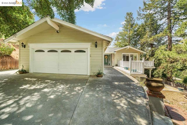 2 Aghalee Rd. Property Photo
