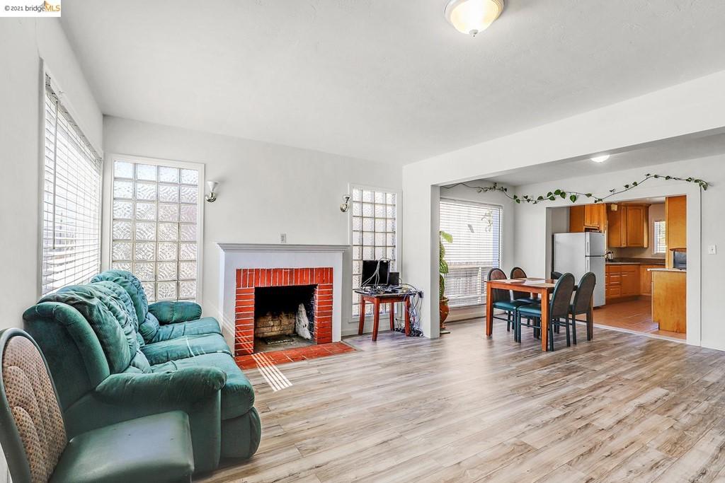164 Poplar Ave Property Photo