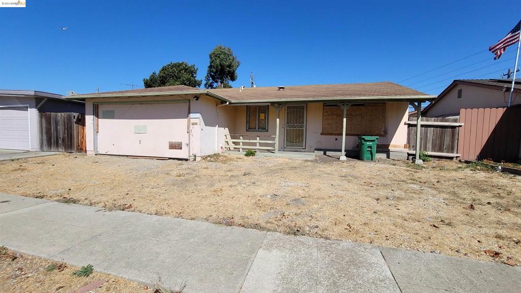 26318 Peterman Ave Property Photo