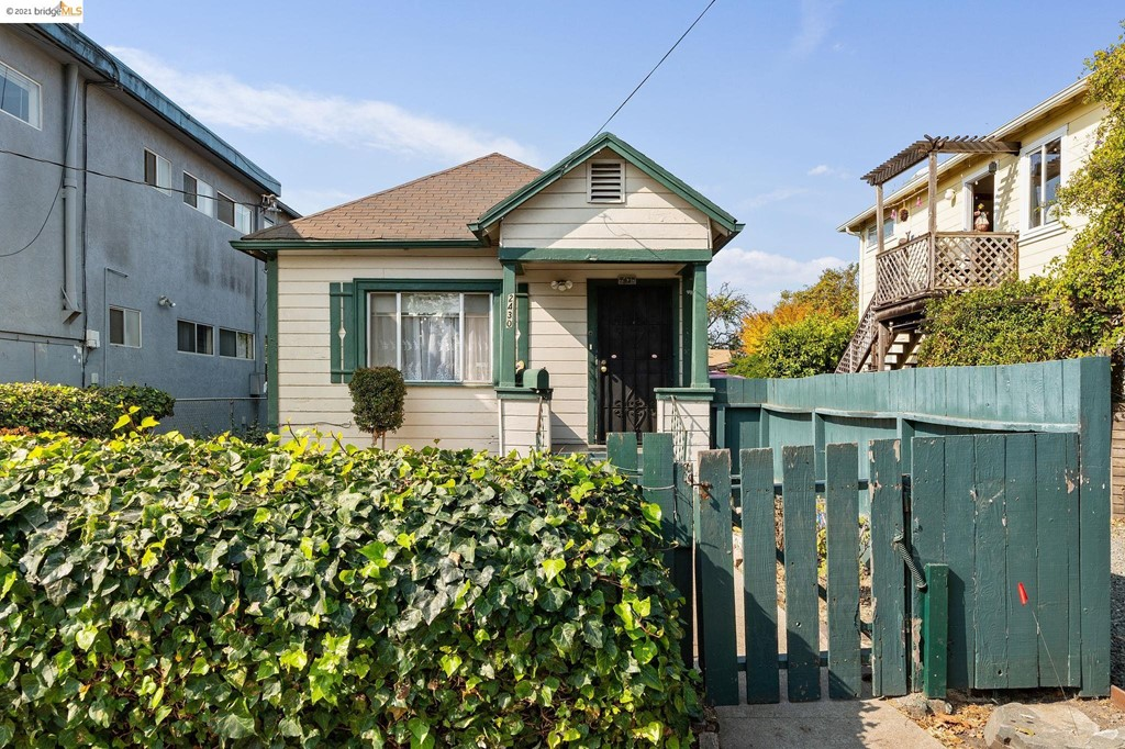 2430 Seventh Street Property Photo