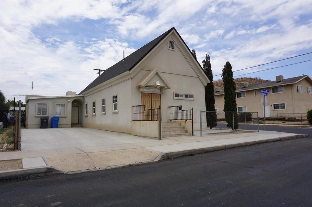 300 Hutchison Street Property Photo 1