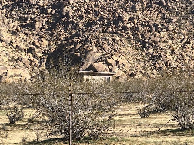 24442 Shoshone Road Property Photo 1