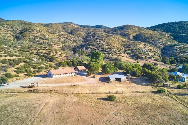 17087 State Highway 173 Highway Property Photo 1
