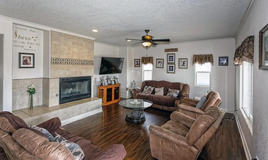 26997 Lakeview Drive Property Photo 2