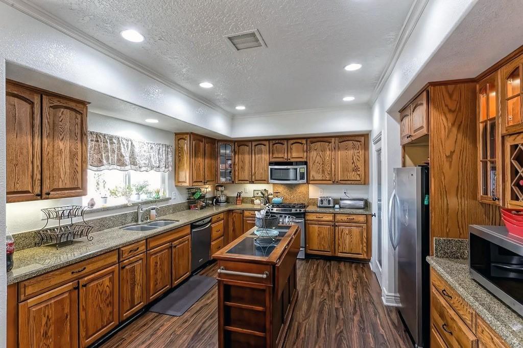 26997 Lakeview Drive Property Photo 3