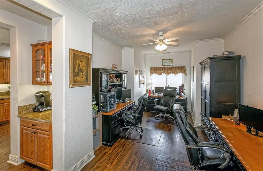 26997 Lakeview Drive Property Photo 6