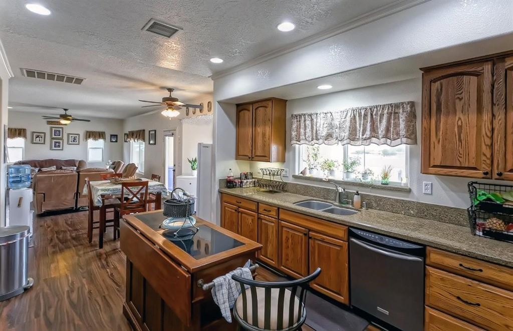26997 Lakeview Drive Property Photo 8