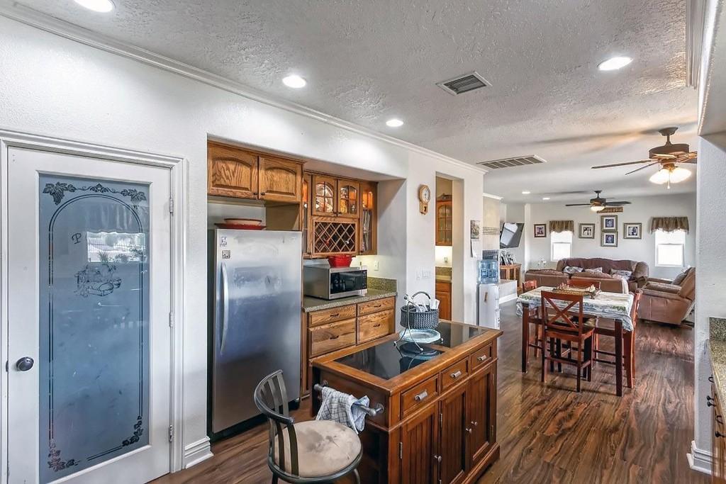 26997 Lakeview Drive Property Photo 9
