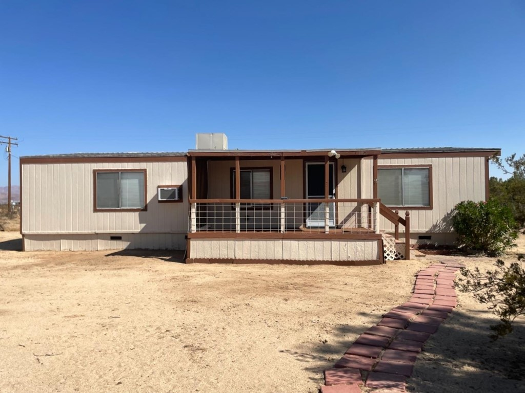 42683 Duntroon Street Property Photo 1
