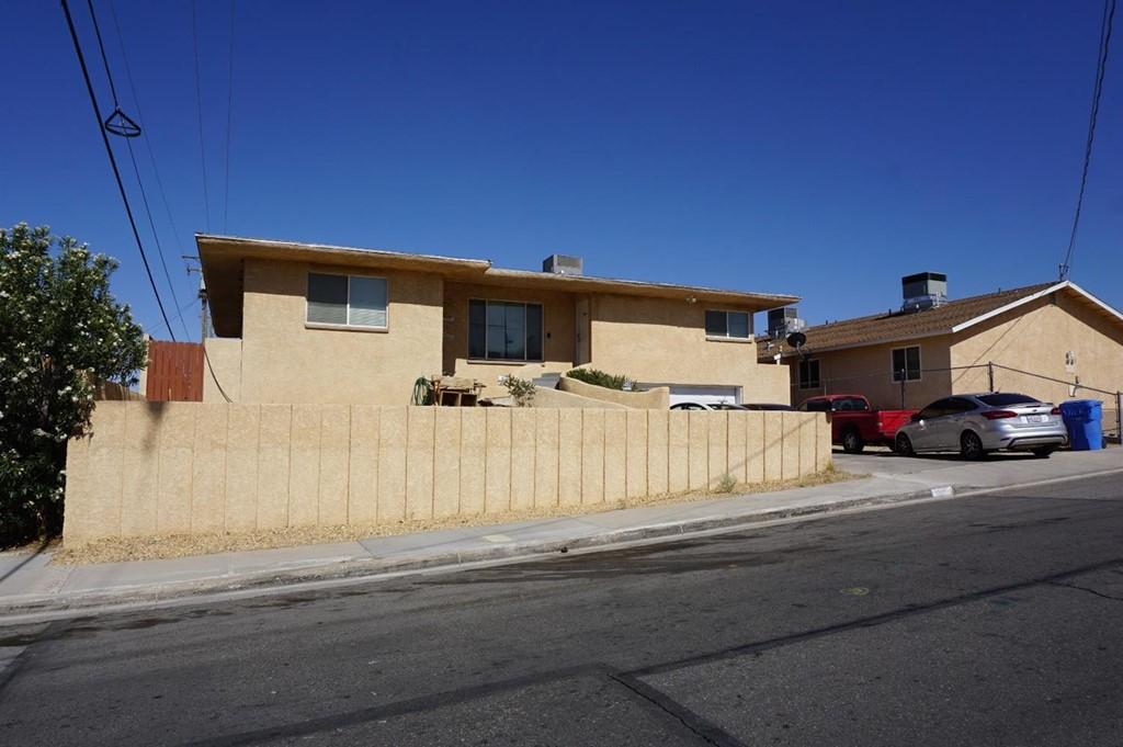 909 S 2nd Avenue Property Photo 1