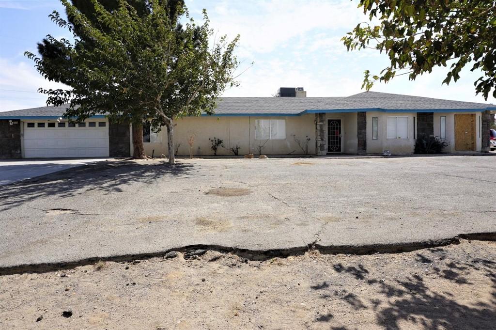 27473 Highview Avenue Property Photo 1