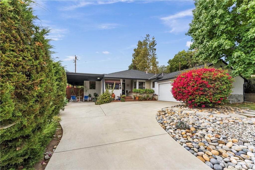 81 Holdman Avenue Property Photo