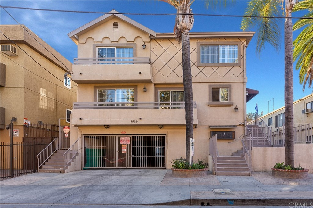 5529 Fulcher Avenue Property Photo