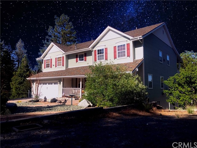5605 Oak Street Property Photo