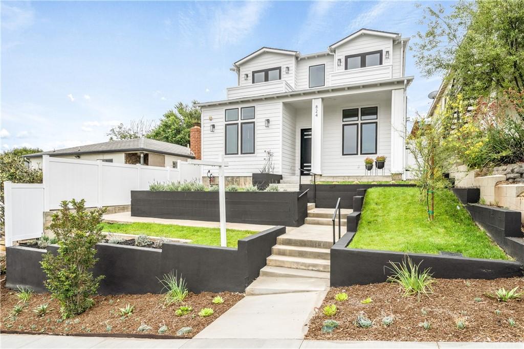 824 A Avenue Property Photo