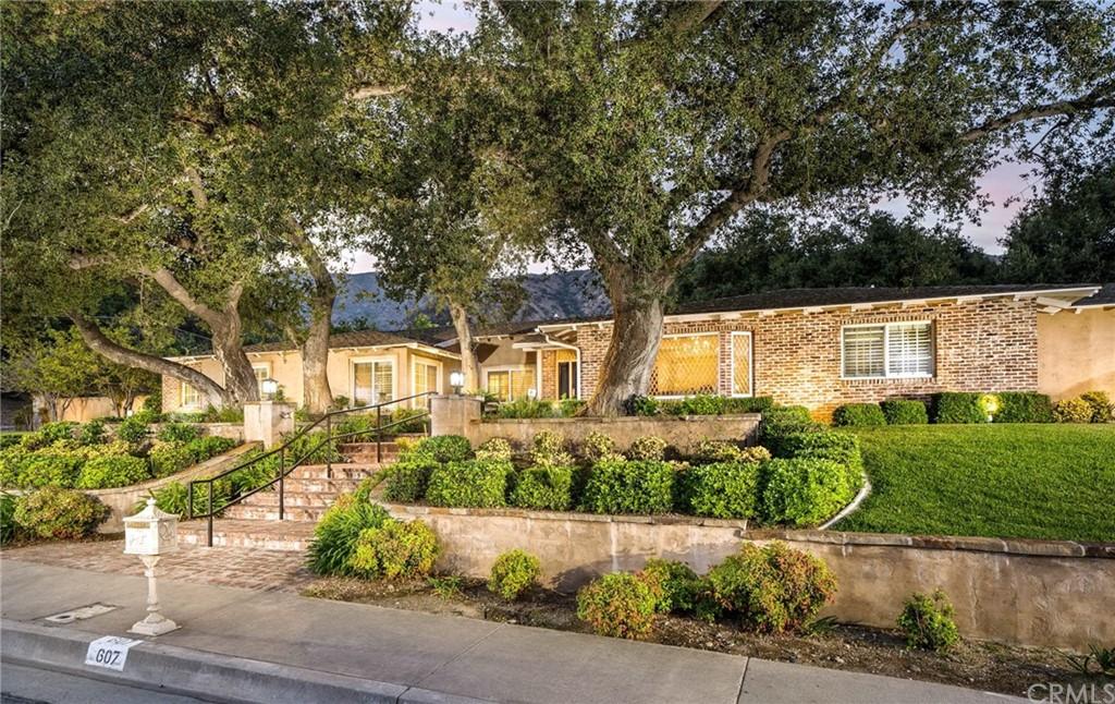 607 Oak Grove Drive Property Photo