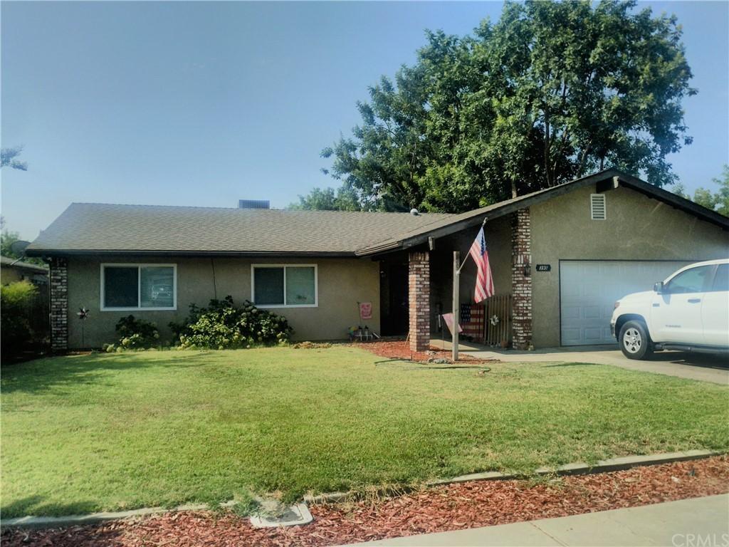 395 W Parlier Avenue Property Photo