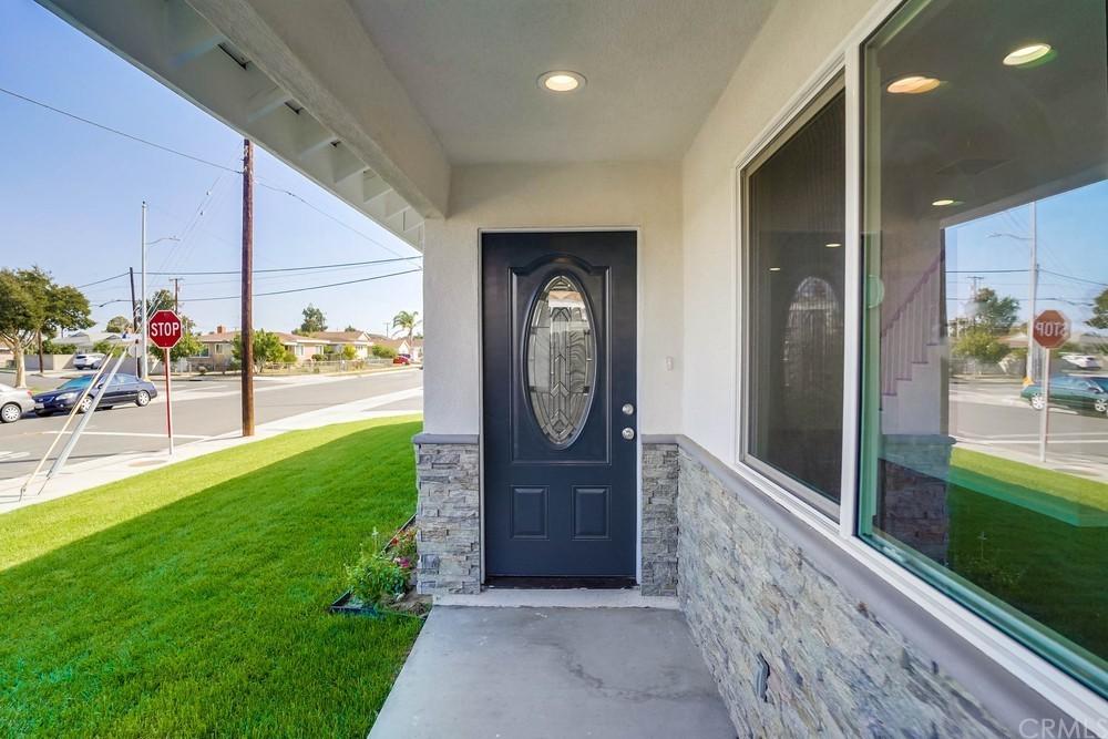 11579 Angell Street Property Photo 4
