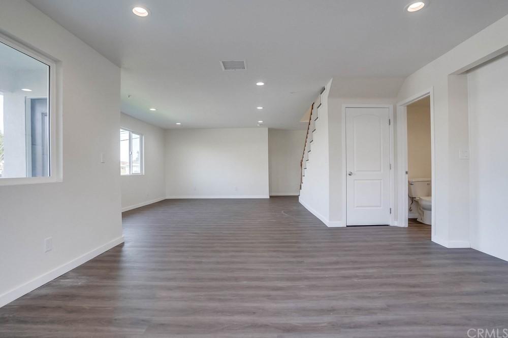 11579 Angell Street Property Photo 7
