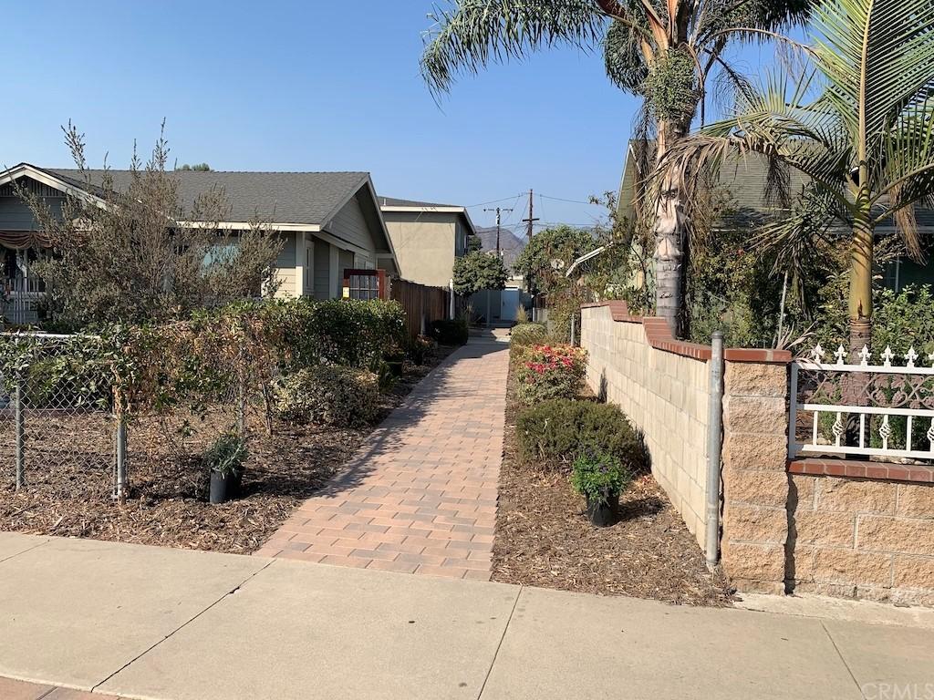 537 W Crescent Drive 1/2 Property Photo