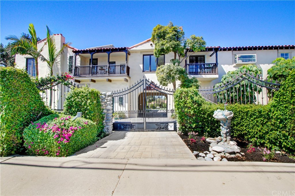 507 N Barranca Avenue Property Photo