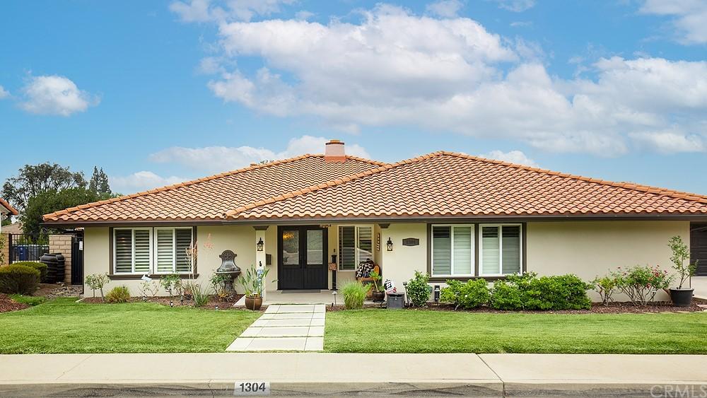1304 E Palm Drive Property Photo