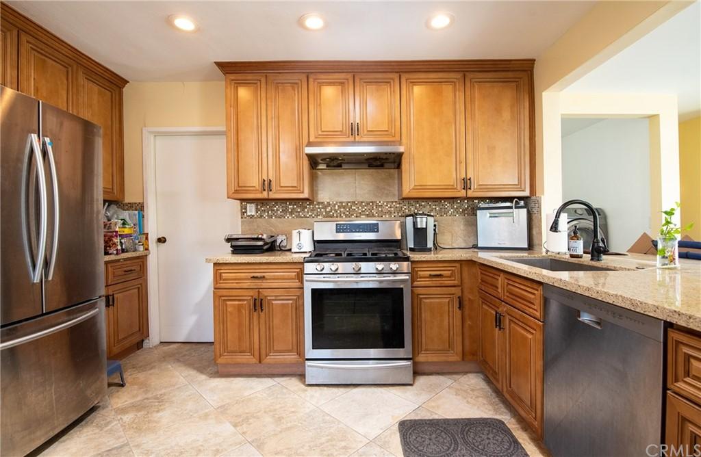 15316 Flallon Avenue Property Photo 4