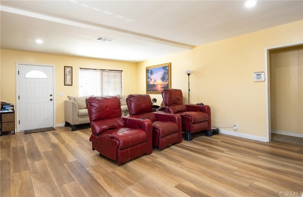 15316 Flallon Avenue Property Photo 8
