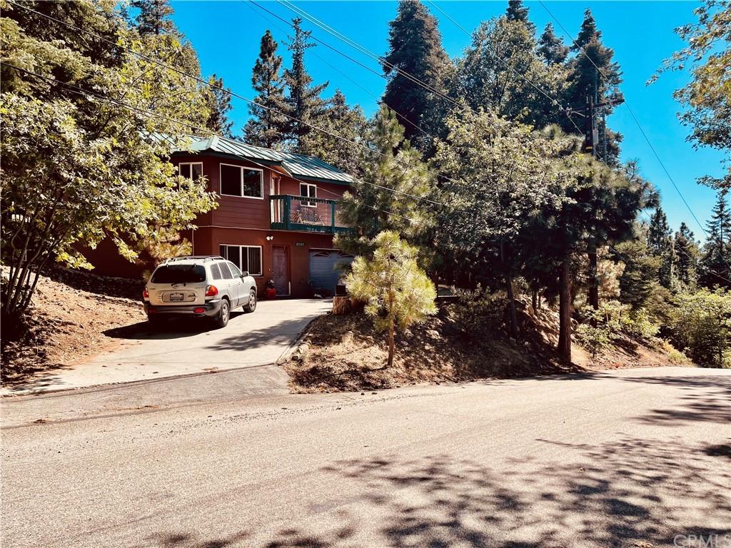 6191 Oak Avenue Property Photo