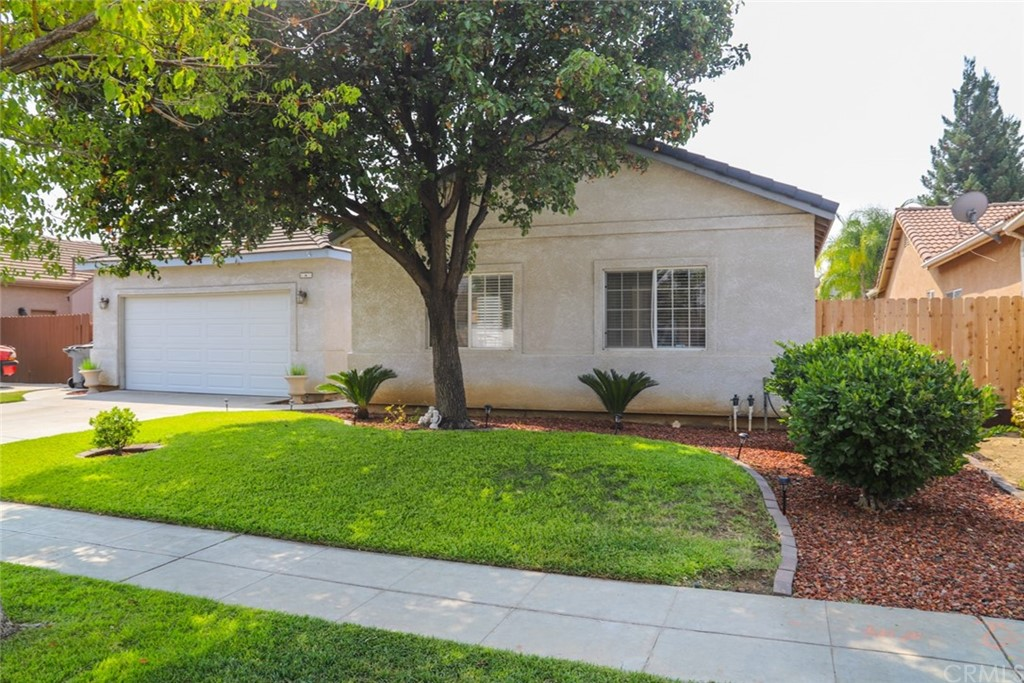 6527 E Huntington Avenue Property Photo