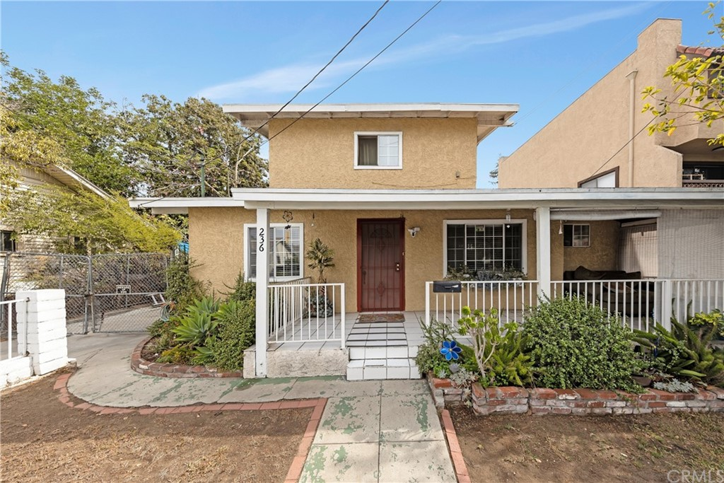 236 N Everett Street Property Photo