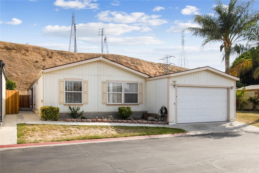 92324 Real Estate Listings Main Image